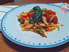 nsalata di pollo estiva:con il caldo la voglia di mangiare piatti caldi è ben poca...ho deciso di preparare con pochi ingredienti l'insalata di pollo estiva