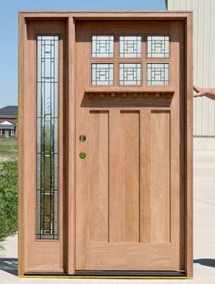 Exterior Craftsman Door with one sidelight - wooden door design Craftsman Exterior Door, Craftsman Style Front Doors, Exterior Front Doors, Front Entry, Custom Exterior Doors, Craftsman Kitchen, Front Porch, Entry Door With Sidelights, Wood Entry Doors