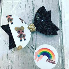 #lolsurprise #lolsurprisebow #queenbee #handmadebows #glitterbows #blackgoldbow #hairbows #hairbowshandmade #bows #lol #bowsovertherainbow #overtherainbow