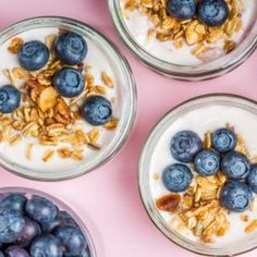 9 nutrition experts reveal their go-to healthy snacks to beat the mid-afternoon slump Fiber-rich smoothie 2 hard boiled eggs + one whole fruit + one serving of veggies peanut butter + apple How To Make Breakfast, Best Breakfast, Healthy Breakfast Recipes, Healthy Snacks, Snack Recipes, Healthiest Breakfast, Healthy Eating, Healthy Recipes, Brunch Recipes