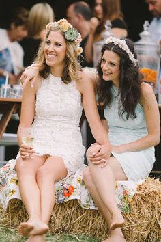 Looking for inspiration from real LGBTQ+ weddings? We've rounded up 10 of our faves to give you lots of ideas! Top Wedding Trends, Wedding Styles, Wedding App, Lesbian Wedding, Wedding Couples, Lesbian Couples, Festival Wedding, Boho Festival, Two Brides