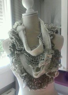 À vendre sur #vintedfrance ! http://www.vinted.fr/accessoires/echarpes/23373246-echarpe-beige-en-laine