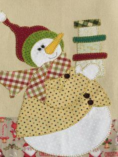 Pano de copa algodão colorido com aplicação natal em patch aplique.  Barra e aplicação em tecido 100% algodão.
