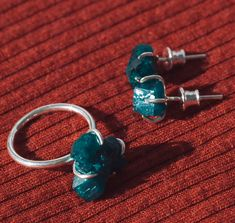 Dioptase silver ring, dioptase errings, cristal studs, raw cristal jewelry