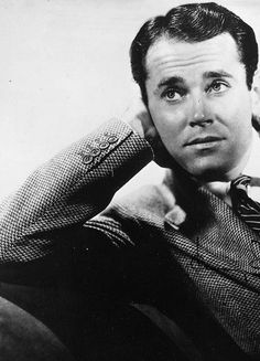 Henry Jaynes 'Hank' Fonda (May 16, 1905 – August 12, 1982) was an American film and stage actor. Fonda made his mark early as a Broadway actor.