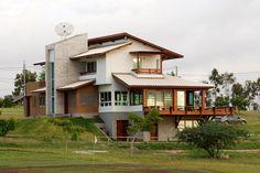 Casa de Campo – Flávio | Juliano Dubeux Arquitetos Associados House Front, My House, Form Architecture, Modern Mountain Home, Concept Home, Marmaris, Log Homes, Exterior Design, House Plans