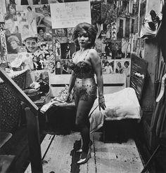 Photos By Photography Diane Arbus Diane Arbus, James Williamson, The Velvet Underground, Circus Performers, Transgender People, Portraits, Famous Photographers, Showgirls, Vintage Pictures