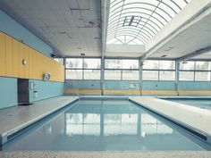 People Are Sharing Photos of Real-Life Places That Belong in a Wes Anderson Film Accidental Wes Anderson, Empty Pool, Slytherin, Casa Anime, Isak & Even, Piscina Interior, Wes Anderson Movies, Emily Fields, Weightlifting Fairy
