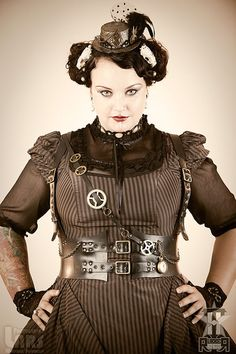 Steampunk harness in upcycled rubber vegan Costume Steampunk, Steampunk Halloween, Steampunk Dress, Steampunk Wedding, Victorian Steampunk, Steampunk Clothing, Steampunk Fashion, Victorian Fashion, Steampunk Rings