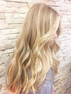 Gorgeous blonde balayage by Amy at Styling Co ~ - Coiffure Sites Medium Blonde Hair, Blonde Hair Shades, Blonde Hair Looks, Platinum Blonde Hair, Gold Blonde Hair, Turquoise Hair Ombre, Brown Ombre Hair, Long Face Hairstyles, Balayage Hair