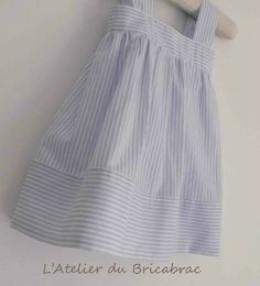 Robe printanière et son tuto – L'Atelier du Bricabrac Baby Couture, Couture Sewing, Pop Couture, Sewing For Kids, Baby Sewing, Little Girl Dresses, Girls Dresses, Spring Dresses, Sewing Clothes
