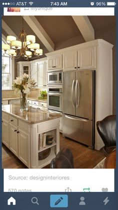 Small Kitchen Remodeling White Kitchen Design Ideas To Inspire You 15 - When we talk about kitchen the basic definition is the same: the place where you cook from sandwiches to the most complicated dishes, and often you also eat the meals. Kitchen Redo, New Kitchen, Vintage Kitchen, Kitchen Cabinets, White Cabinets, Taupe Kitchen, Kitchen White, Kitchen Layout, Kitchen Colors
