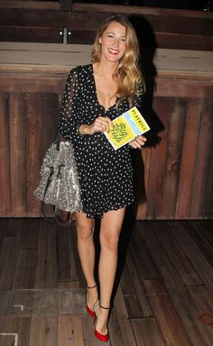 Blake Lively with fun, bright red heels #style #fashion