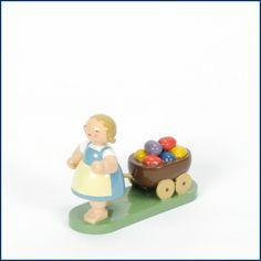 Das #Ostermädchen mit #Wagen von #Wendt und #Kühn. Einer unser #Klassiker. Zu #Ostern #traditionell, im #Frühling eine hübsche #Dekoration. Erhältlich im #Feingefuehl #Onlineshop. http://feingefühl-shop.de/wendt-und-kuehn/blumenkinder-und-freunde/505/ostermaedchen-mit-wagen?c=33