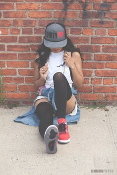 Check down the newest Hip-hop design and style and footwear making it great in the area. Estilo Hip Hop, Hipster Outfits, Girl Outfits, Cute Outfits, Fashion Outfits, Hip Hop Fashion, Urban Fashion, Teen Fashion, Swag Fashion