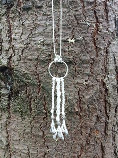 Ketten lang - Boho - Makramee - Halskette mit silbernen Perlen - ein Designerstück von LisaVeilchen bei DaWanda
