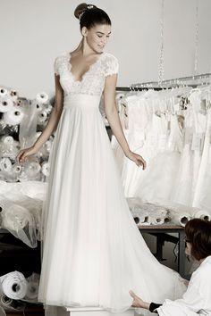 Cymbeline Caen Hochzeitskleid - Wedding Makeup For Fair Skin Cymbeline Wedding Dresses, Shabby Chic Wedding Dresses, Wedding Gowns, Bridal Outfits, Bridal Dresses, Happy Brautmoden, Wedding Attire, The Dress, Bride