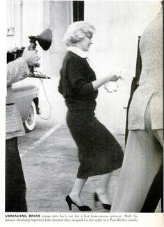 Marilyn Monroe on her wedding day with Joe Dimaggio 1954