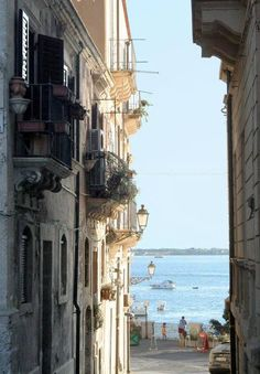 The beauty of the Italian sea - SIRACUSA