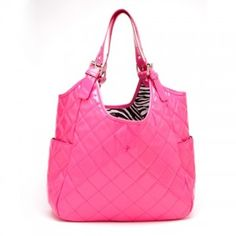 This purse...is so freaking cute! Enter to #win it: http://chant3llo.com/take-it-to-the-beach-flash-giveaway/