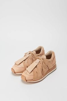 Sneakers For Girl : Shoes: sneakers nude sneakers suede sneakers texture sporty chic athleisure Sock Shoes, Shoe Boots, Shoes Heels, Shoe Bag, Bow Sneakers, Suede Sneakers, Look Fashion, Fashion Shoes, Net Fashion