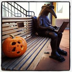 Peter the Anteater has some company this gorgeous afternoon. Enjoy the weekend, Anteaters! - UC Irvine #UCIrvine #UCI #PetertheAnteater #Halloween #zot #anteater