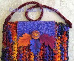 Fabric Crochet Purse Tutorial - LOVE the colour palette