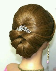 Wedding Hairstyles For Long Hair Bridal updo. Wedding hairstyles for medium long hair. Medium Long Hair, Medium Hair Styles, Long Hair Styles, Hairstyles With Bangs, Braided Hairstyles, Wedding Hairstyles, Arabic Hairstyles, French Hairstyles, Wave Hairstyles
