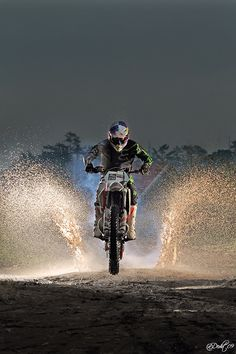lov this picture its so much fun riding dirt bikes its my life <3. CLICK THE IMAGE or Check Out my blog for more: http://automobilevehiclequotes.blogspot.com/#1505160854