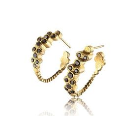 New photos of the New collection! Here is the first pair from the collection, #GoldPlated #Earrings with #black #stones.