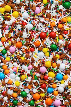 Fancy Sprinkles® Gingerbread House Sprinkle, 4 oz Jar, Ml Fancy Sprinkles, Christmas Sprinkles, Christmas Colors, Christmas Cookies, Retro Christmas, Christmas Treats, Christmas Baking, Confectioners Glaze, Gum Arabic