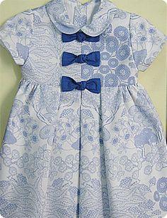 Vestido en pique fantasia con adorno de lazos,un vestido muy primaveral. Children Clothing, Baby Dresses, Clothing Items, Kids Outfits, Cold Shoulder Dress, Couture, Inspiration, Clothes, Fashion