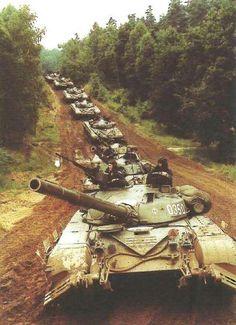Column of Polish T-72M main battle tanks