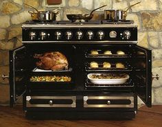 Managing a full Thanksgiving feast never looked so easy...and fancy!    La Cornue range