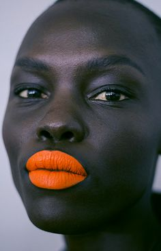 I love this orange lip. I think this is a perfect display of contrast. I love the complexion of this model. And how they have really enhanced the skin by using a bold lip colour. I am thinking about using orange as my main colour.
