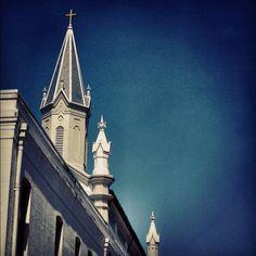 Always look up when you're exploring Savannah... Beautiful views!