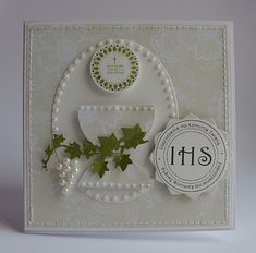first communion scrapbook First Communion Cards, Première Communion, First Holy Communion, Hobbies And Crafts, Diy And Crafts, Confirmation Cards, Quilling Cards, Scrapbook Cards, Scrapbooking