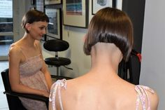 Omg this is awful!!!! This is NOT what I want Girls Short Haircuts, Great Haircuts, Thin Hair Haircuts, Short Hairstyles For Women, Cool Hairstyles, Latest Hairstyles, Shaved Bob, Shaved Nape, Nape Undercut