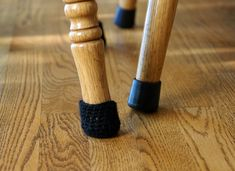 Ways to Protect Your Floors from Chair Legs (plus free chair sock pattern) Crochet Round, Crochet Home, Chair Leg Covers, Tapas, Chair Socks, Crochet Stitches For Beginners, Beginner Crochet, Afghan Stitch, Chair Leg Floor Protectors