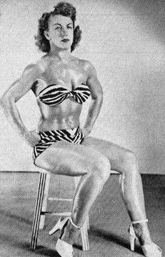 Mildred Burke vs June Byers - The Best Female Professional Wrestling Match Of All Time