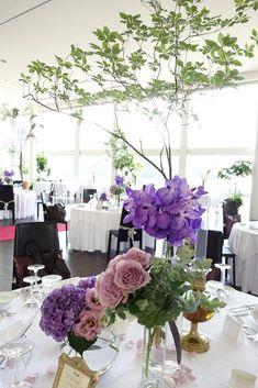 バンダxドウダンツツジの会場。これに近いイメージで、ドウダンツツジはもう少し低め。(花との距離がもう少し短め)