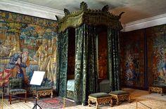 Hardwick Hall bed