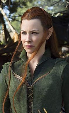 Evangeline Lilly in The Hobbit: The Desolation of Smaug The Hobbit Movies, O Hobbit, Tauriel Hobbit, The Hobbit Characters, Tolkien, Thranduil, Legolas, Kili, Fantasy Characters