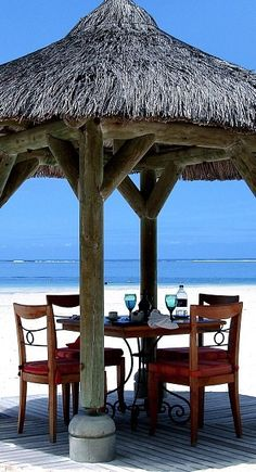 ☀ Beachside Dinner, Mauritius ☀  BelAfrique - Your Personal Travel Planner www.belafrique.co.za