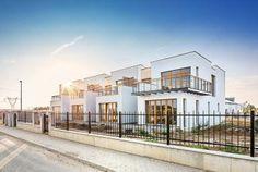 Řadová luxusní vila 4+kk, 137m2, Praha 10, Benice New Homes, Mansions, House Styles, Home Decor, Decoration Home, Manor Houses, Room Decor, Villas, Mansion