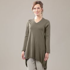 """OSKA PULLOVER """"THALIA"""" is very simple and very beautiful and perfect for cool days and nights. For an elegant look combine it with leggings, high heels and chic jewellery. The hemline is much shorter in the front than in the back for a touch of panache."""