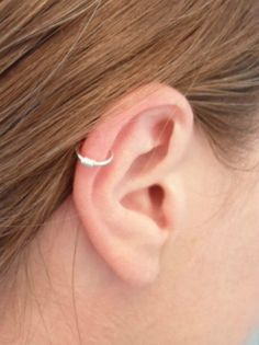 Faux piercing fil plaqué argent. Oreille, Cartilage, nez, lèvre, septum : Piercing par alu-et-billes-folie