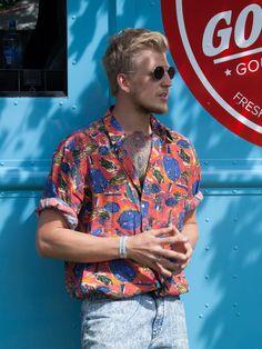 KAIBOSH | METALLICUM O in SILVER @ Piknik i Parken Scandinavian Festival, Festival Fashion, Men Casual, Classic, Silver, Mens Tops, Color, Style