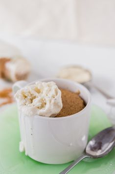 Mug cakes are such a great way to treat yourself without having to go all in with a full pan dessert. Just enough to satisfy your sweet tooth! Gluten Free Cookies, Gluten Free Baking, Cinnamon Mug Cake, Spring Recipes, Winter Recipes, Hazelnut Cake, Baking With Kids, Banana Recipes, Chocolate Desserts