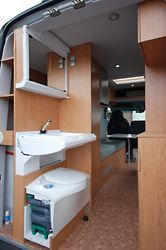 trenntoilette trockentoilette sprinter camper pinterest wohnmobil camper und ausbau. Black Bedroom Furniture Sets. Home Design Ideas